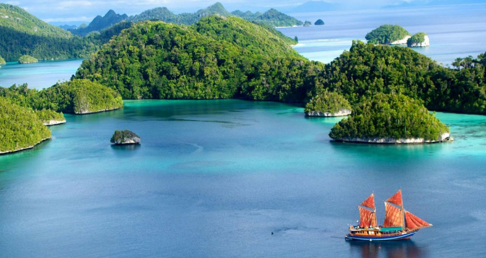 Tiger Blue – Indonesia Yacht Charter